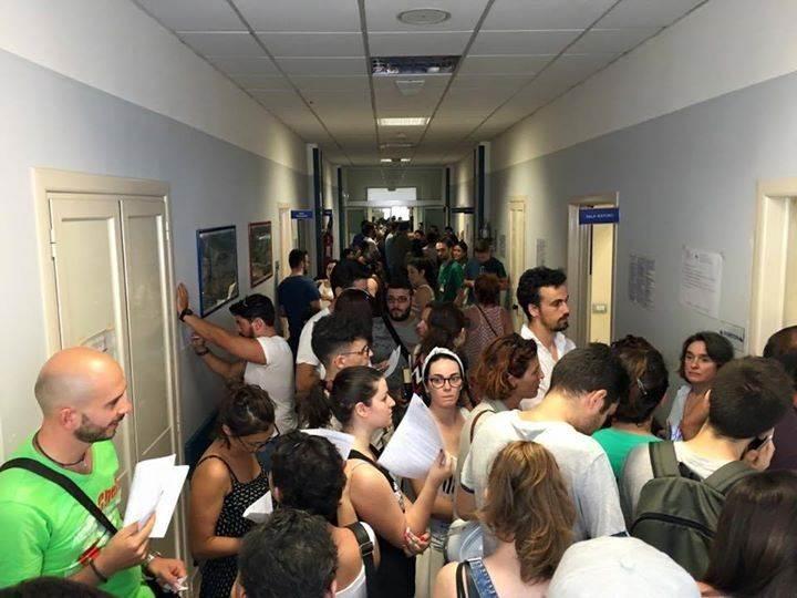 In fila per donare sangue