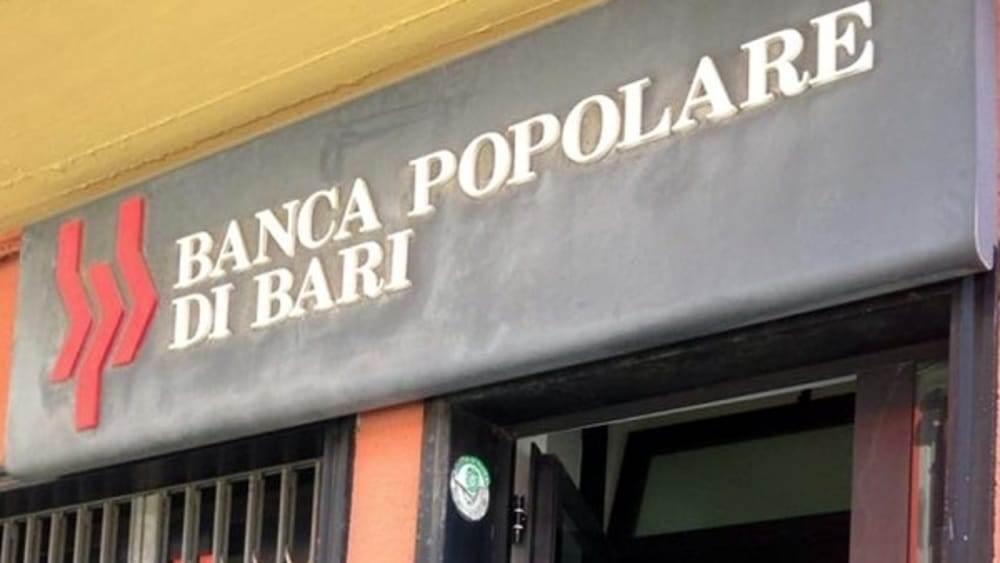 Banca bresciana perquisita dalla Finanza: avviso di garanzia al direttore