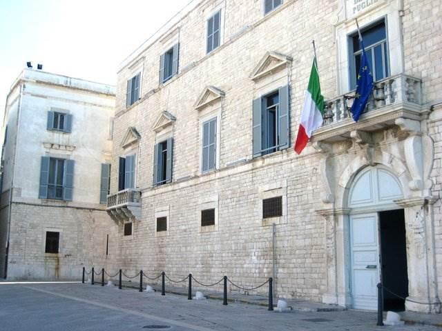Scontro treni Puglia: lascia pm dopo foto con avvocato di un indagato