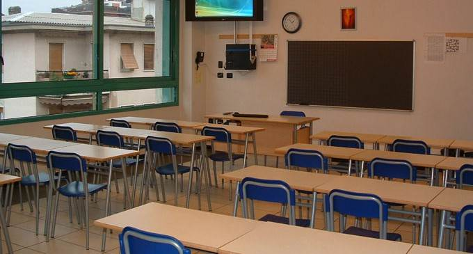 Scuola, al via 32mila assunzioni per docenti e 10mila per personale Ata