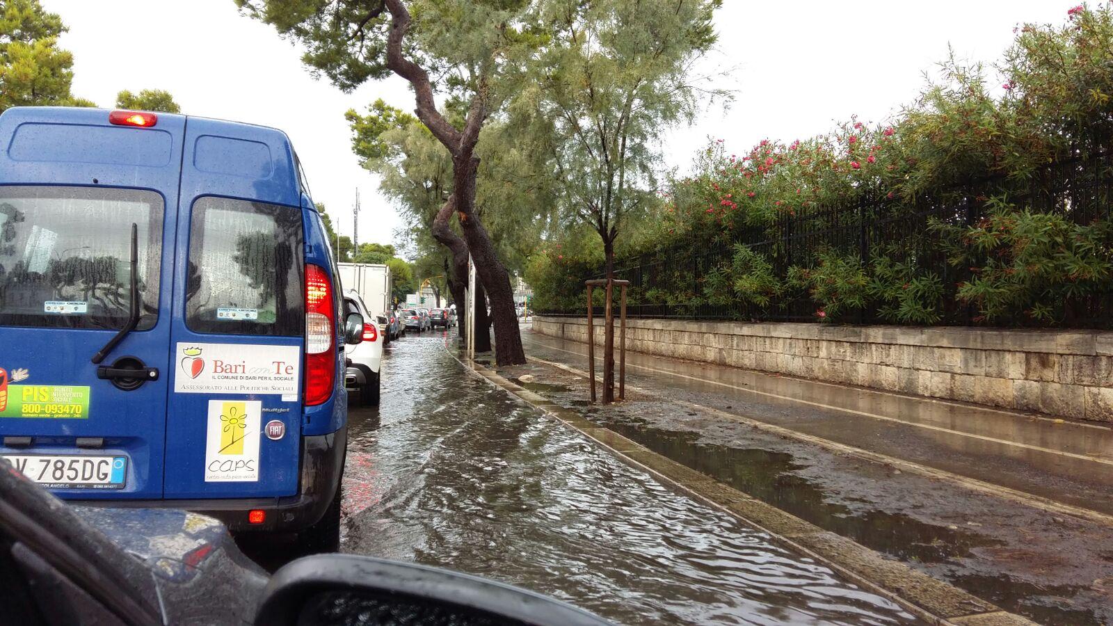 Maltempo Puglia, linea Brindisi - Lecce: binari allagati - Aggiornamento ore 14