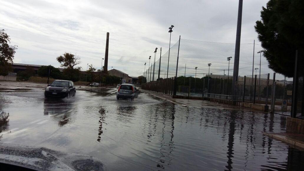 Maltempo, Puglia in tilt, ad Ostuni la pioggia ferma anche la sposa