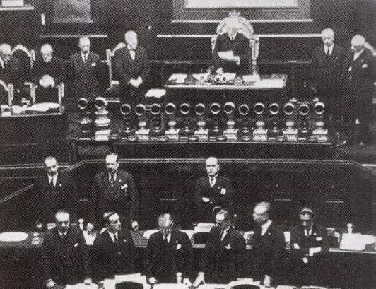 Discorso Camera Mussolini : Benito mussolini roma discorso del maggio con testo