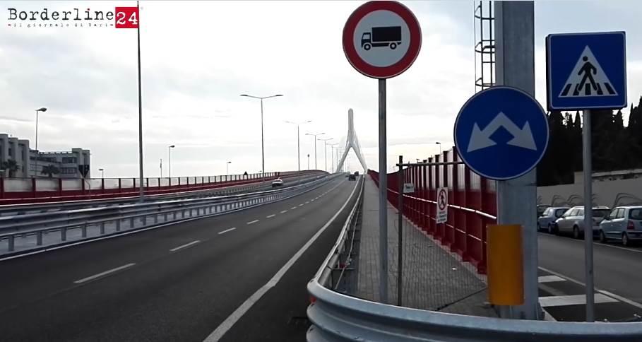 La pista ciclabile ancora chiusa sul ponte