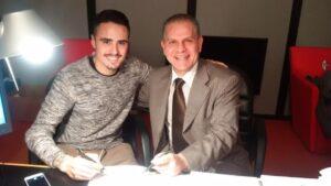 Salzano e Giancaspro al momento della firma del contratto