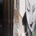 Uno dei muri rovinati in palestra