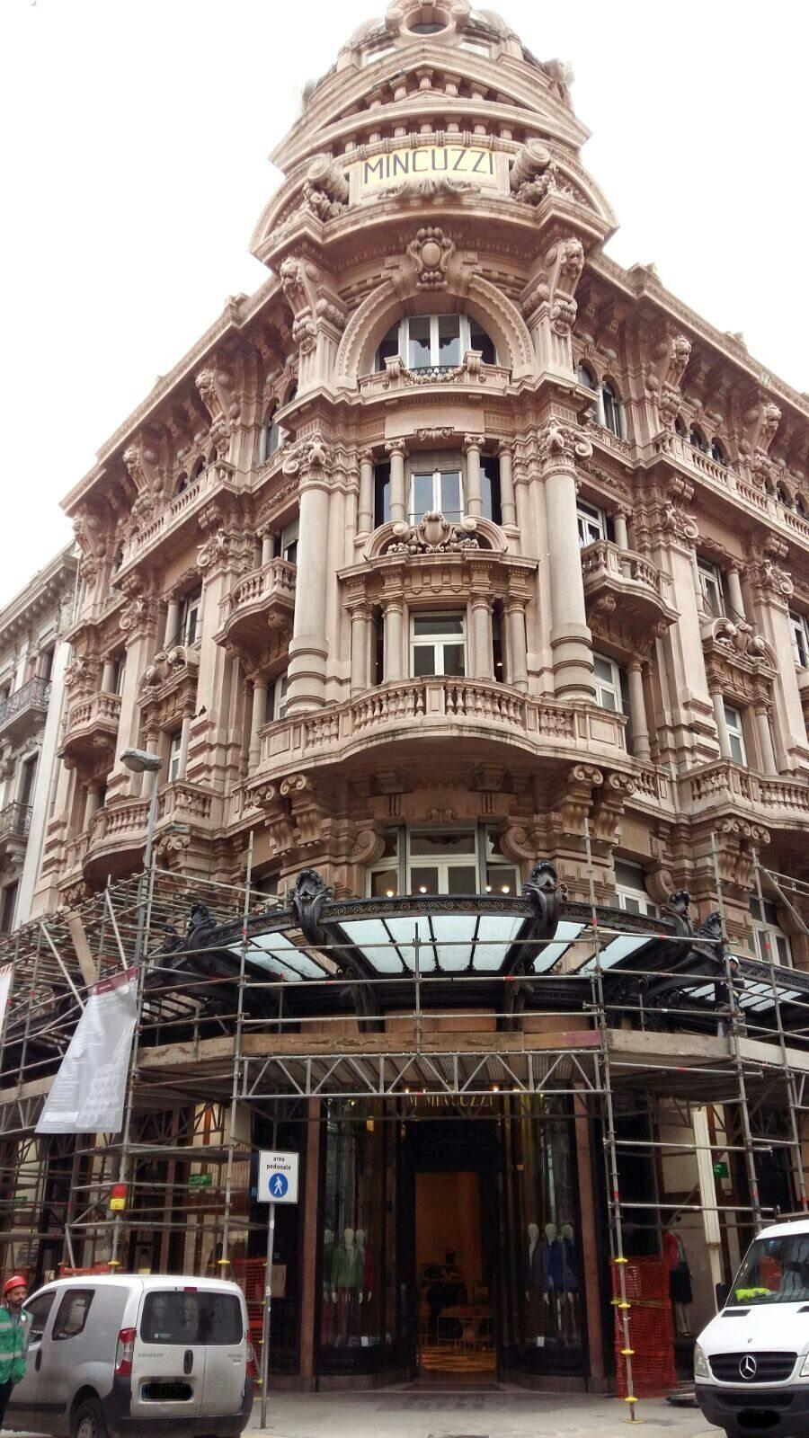 Bari ingabbiato anche lo storico palazzo mincuzzi for Palazzo 24