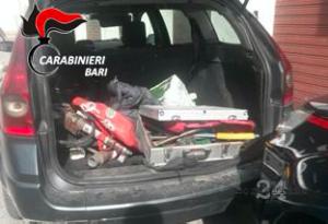 L'auto dei ladri di rame a Noci era già carica di attrezzi e metallo asportato dall'ex macello