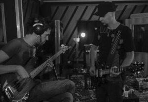 re-birth-esordio-e-rinascita-per-il-bassista-pier-bernardi 3