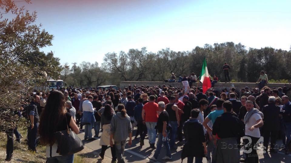 Tap, tafferugli al cantiere del gasdotto: feriti 2 manifestanti