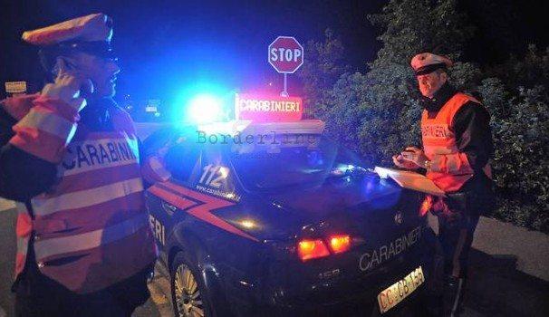 Pistola su testa a Cc, 3 arrestati