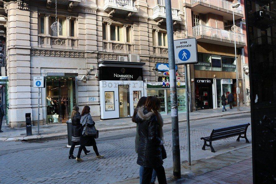 Bari, indagini su insulto alla consigliera Melini